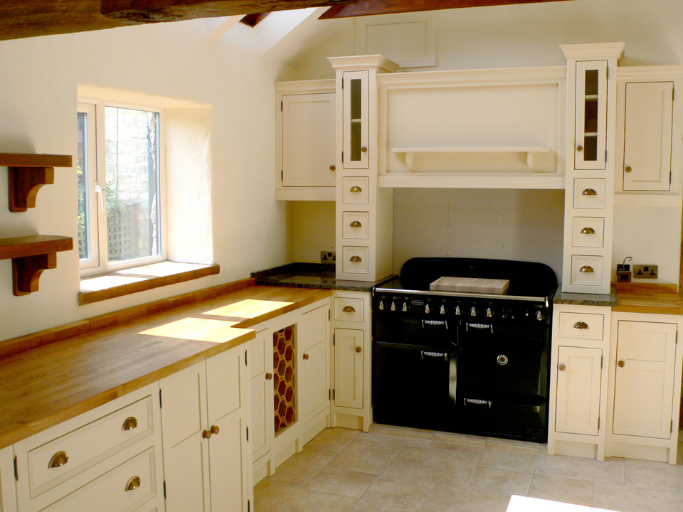 Free standing kitchen units belfast sink unit larder for Unit kitchen designs