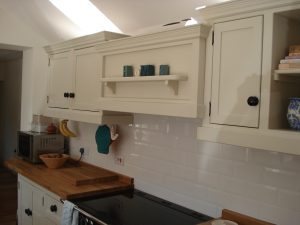 Martyn and julie 39 s kitchen cream wall and base units with for Cream kitchen base units