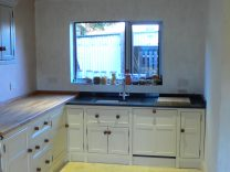 Wooden Units with Integrated Belfast Sink and Cooker
