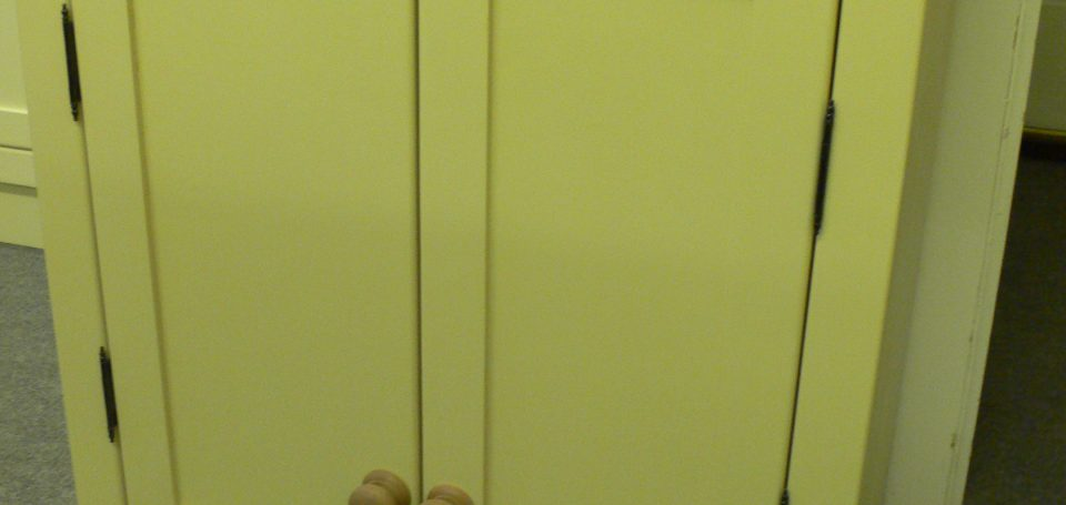 shaker style top cupboard Double doors
