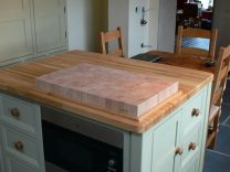 Medium Island with Integrated Oven, Wooden Work Surfaces