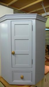 corner cupboard 001