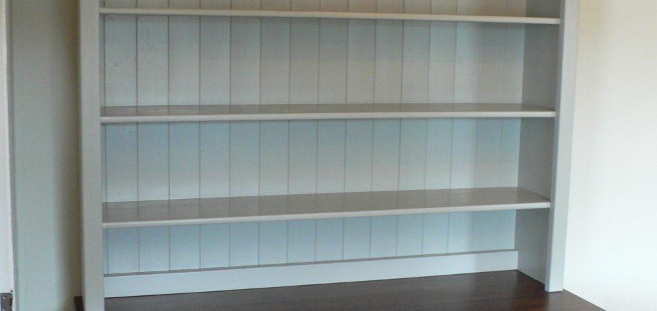 DR19 'Hardwick White' dresser