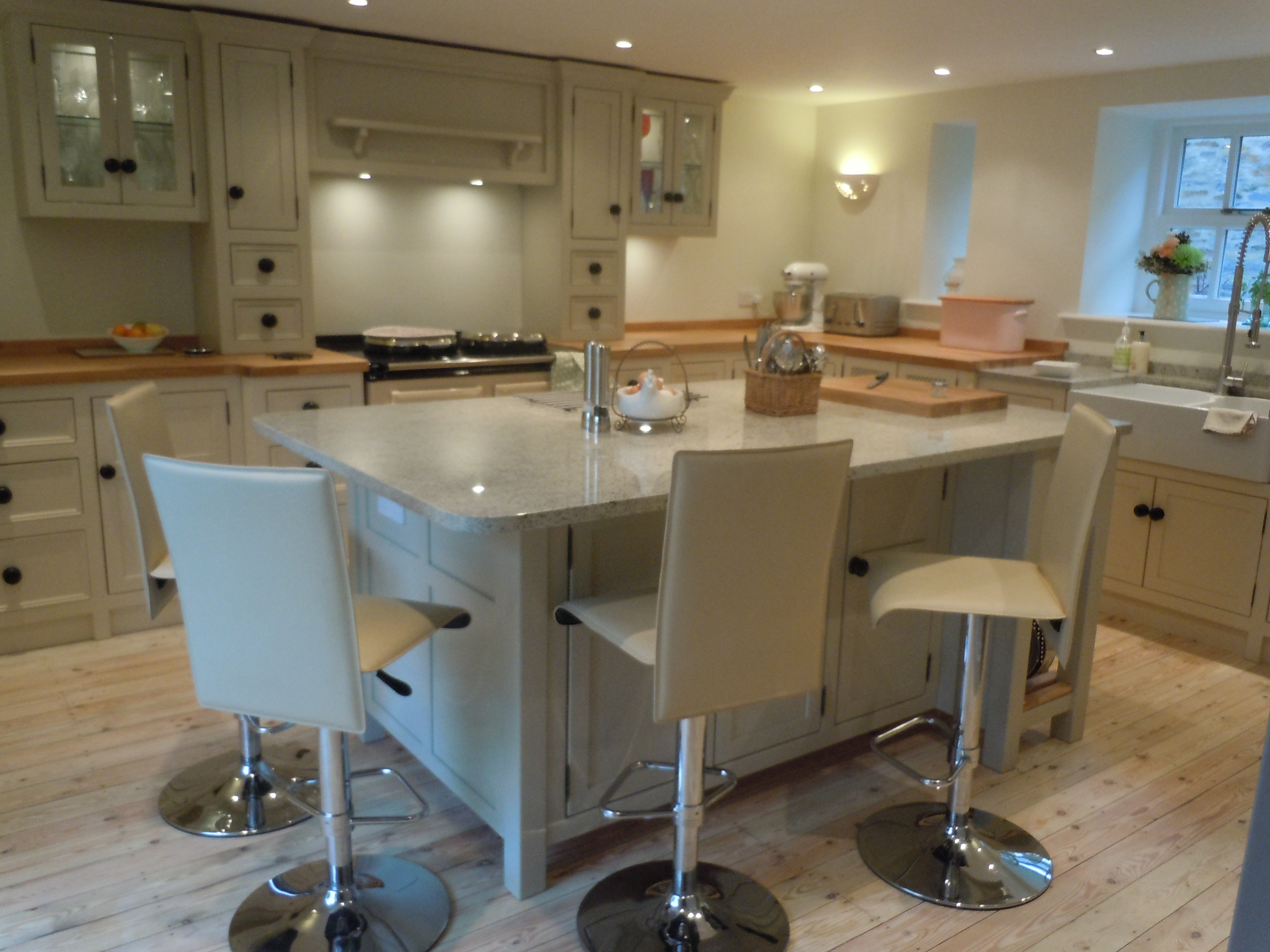T14 Kitchen Island Unit Seating Space The Olive Branch Kitchens Ltd The Olive Branch