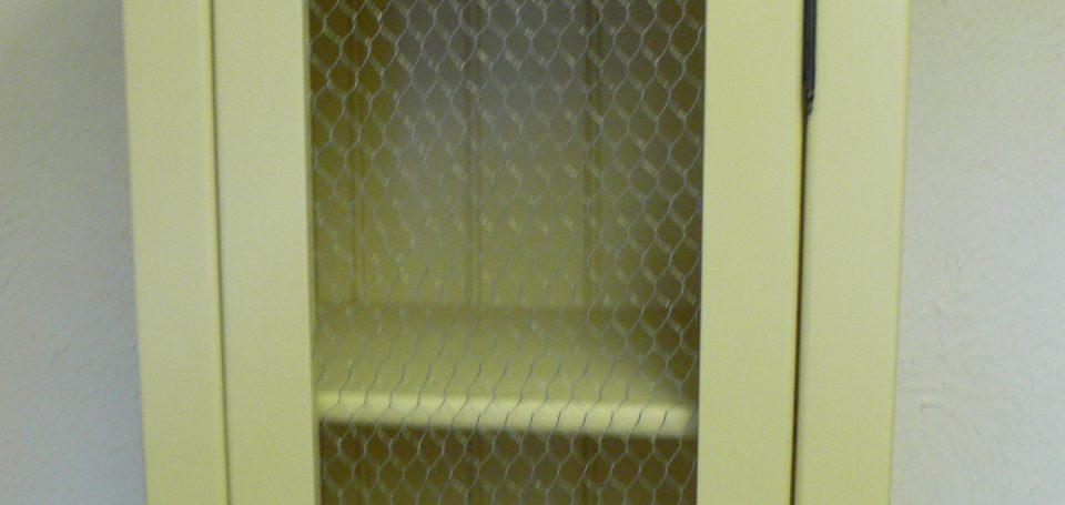 TU11 Chicken Wire Top Cupboard